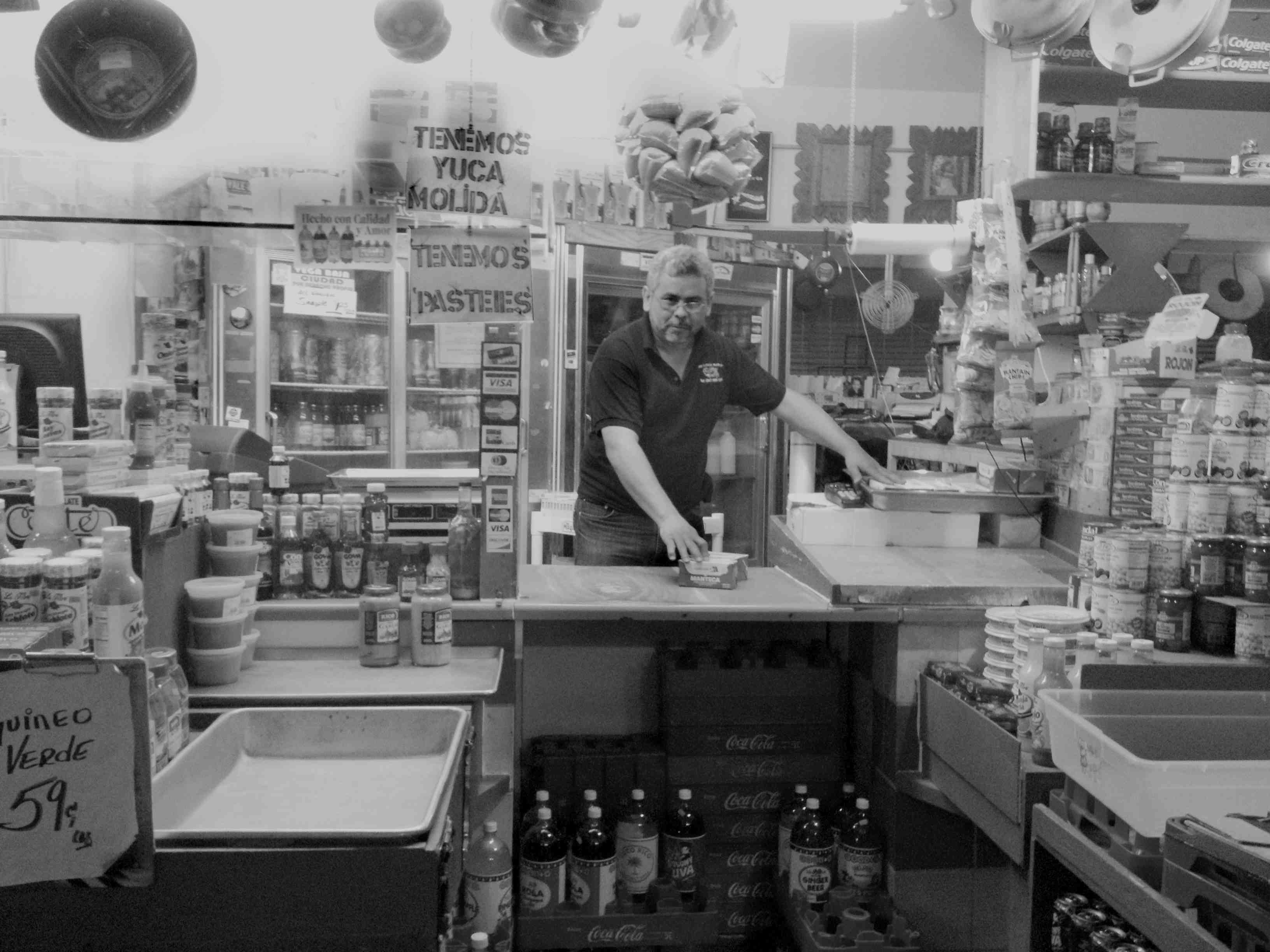 Photograph of La Marketa (Moore Street Market), Brooklyn, NY. CC BY-NC Amanda Matles, 2012, Brooklyn, NY.